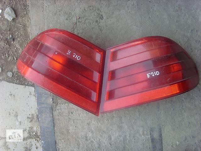 бу Б/у фонарь задний для седана Mercedes 210 в Борщеве