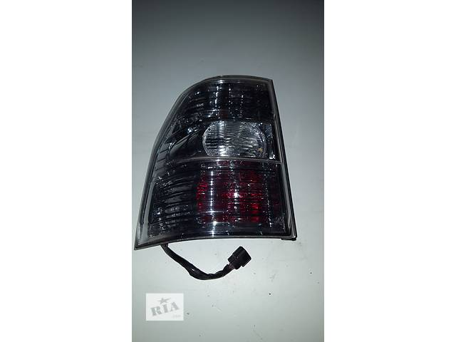 Б/у фонарь задний для седана Mitsubishi Pajero Wagon- объявление о продаже  в Ровно
