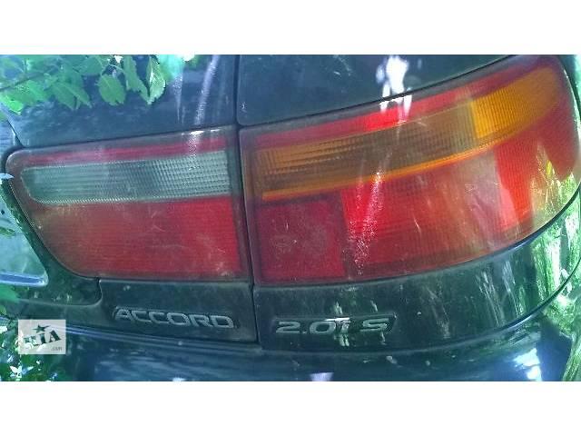 продам Б/у фонарь задний внутренний и внешний правый для седана Honda Accord CC7 1993, 1994, 1995г бу в Киеве