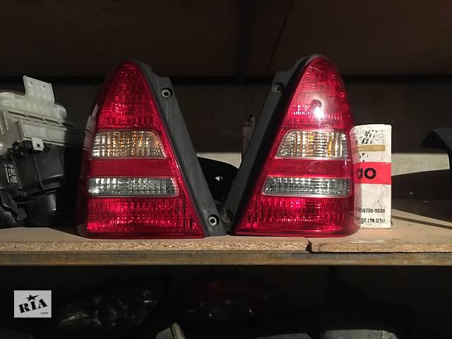 продам Б/у фонари задние для легкового авто Subaru Forester бу в Днепре (Днепропетровске)