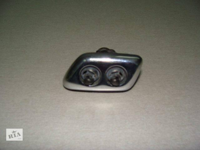 продам  форсунка омывателя фар (левая, правая) для легкового авто Chrysler 300 С 2005-2010 бу в Киеве