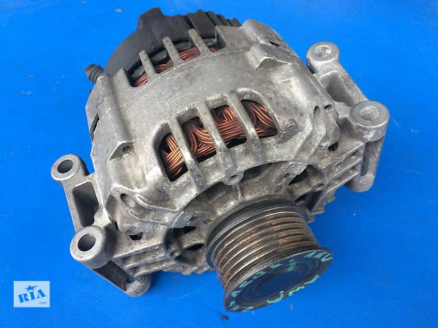 продам Б/у генератор/щетки для легкового авто Audi A4 1.6, 1.8T (06B903016AE) бу в Луцке
