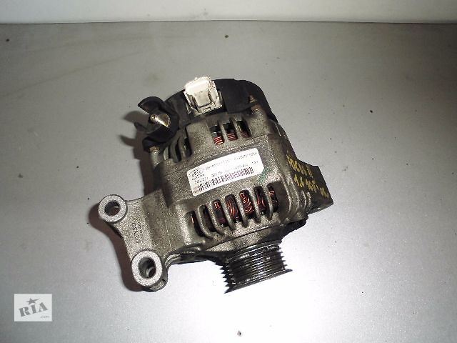 купить бу Б/у генератор/щетки для легкового авто Ford Focus 1.6-1.8 2003-2007 1.6, 2.0TD 105A. в