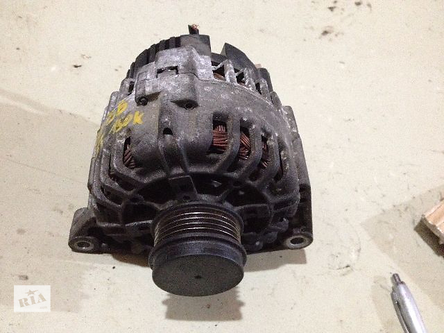 продам Б/у генератор/щетки для легкового авто Volkswagen B5 1.8T, 120A (06B903016E) бу в Луцке