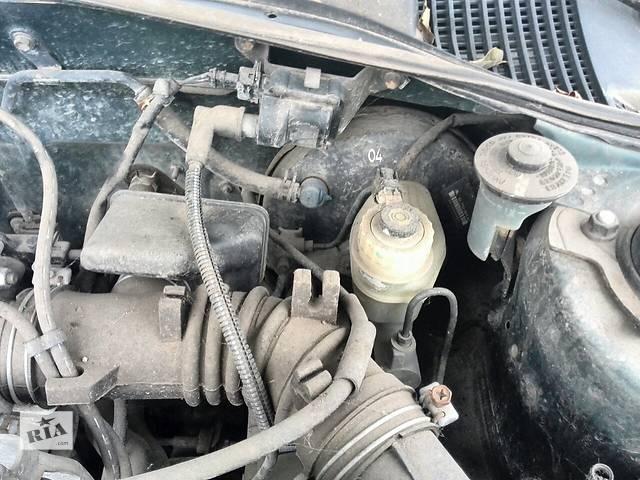 купить бу Б/у главный тормозной цилиндр 47201-05051 для седана Toyota Avensis 1999г в Киеве