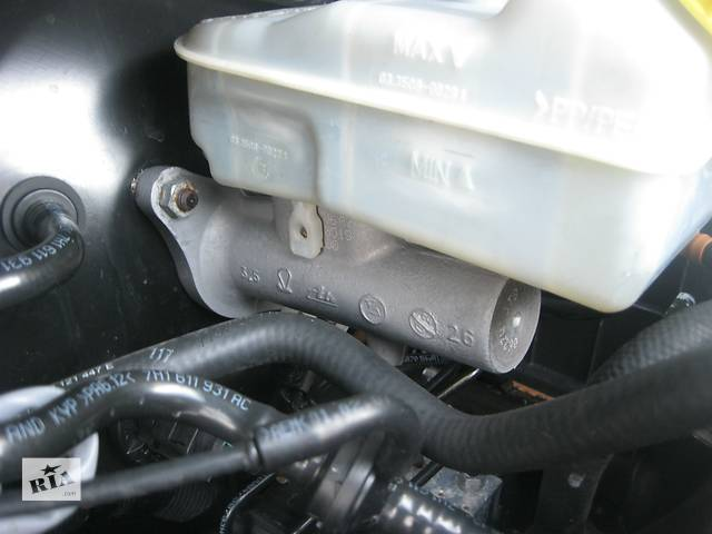 купить бу Б/у главный тормозной цилиндр Volkswagen T5 в Ровно