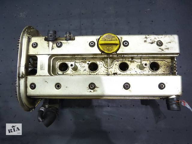 купить бу Б/у головка блока для легкового авто Opel Vectra B X20XEV 2.0 в Яворове (Львовской обл.)