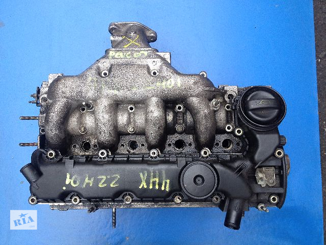 купить бу Б/у головка блока для легкового авто Peugeot 406 2.2 HDI (9634559710) в Луцке