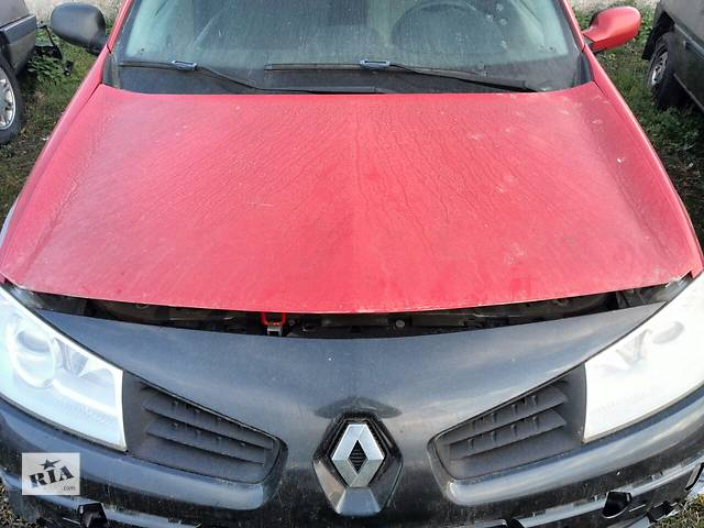 купить бу Б/у капот для хэтчбека Renault Megane Hatchback 5D 2006г в Киеве