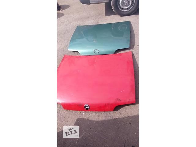 продам Б/у капот для легкового авто Opel Kadett бу в Луцке