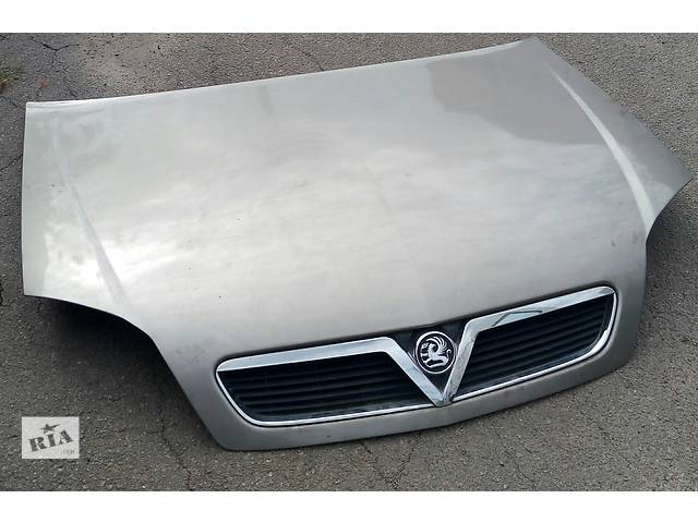 купить бу Б/у капот для легкового авто Opel Vectra C в Луцке