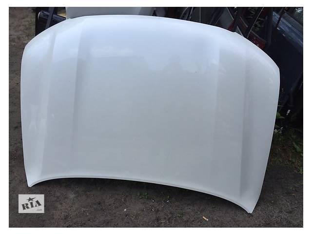 купить бу Б/у капот для легкового авто Toyota Land Cruiser 200 в Ровно