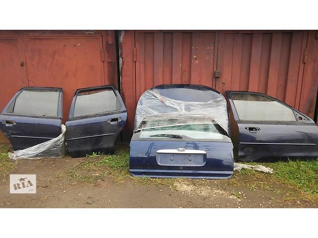 купить бу Б/у капот для универсала Ford Mondeo в Львове