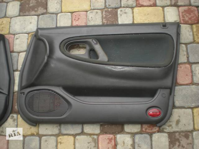 купить бу Б/у карта двери для легкового авто Mazda 626 в Ивано-Франковске