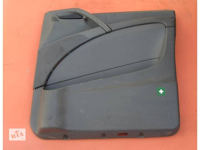 купить бу Б/у карта двери передней правая левая Mercedes Vito (Viano) Мерседес Вито (Виано) V639 (109, 111, 115, 120) в Ровно