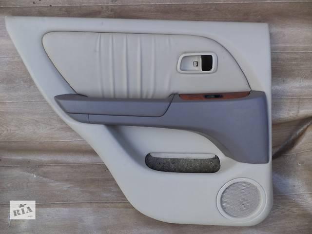 купить бу Б/у карта двери задняя левая 67640-48080-A0 для кроссовера Lexus RX 300(I) 2001г в Киеве