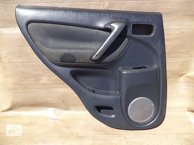 купить бу Б/у карта двери задняя левая для кроссовера Toyota Rav 4 2002-2004г в Киеве