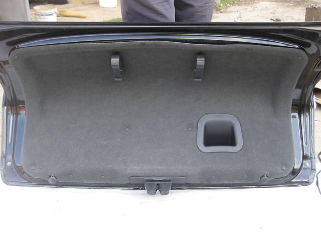 купить бу Б/у карта крышки багажника обшывка Opel Vectra C Вектра С в Львове