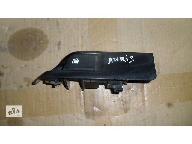 Б/у кнопка открывания бензобака для легкового авто Toyota Auris 2009- объявление о продаже  в Коломые
