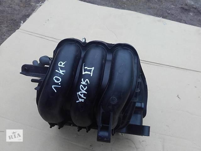 купить бу Б/у коллектор впускной 17120-0Q020 для хэтчбека Toyota Yaris 2007г в Киеве