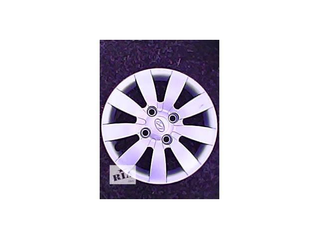 купить бу Б/у колпак на диск для легкового авто Hyundai Matrix r 15 в Харькове