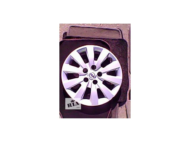 купить бу Б/у колпак на диск для легкового авто Nissan r 16 в Харькове