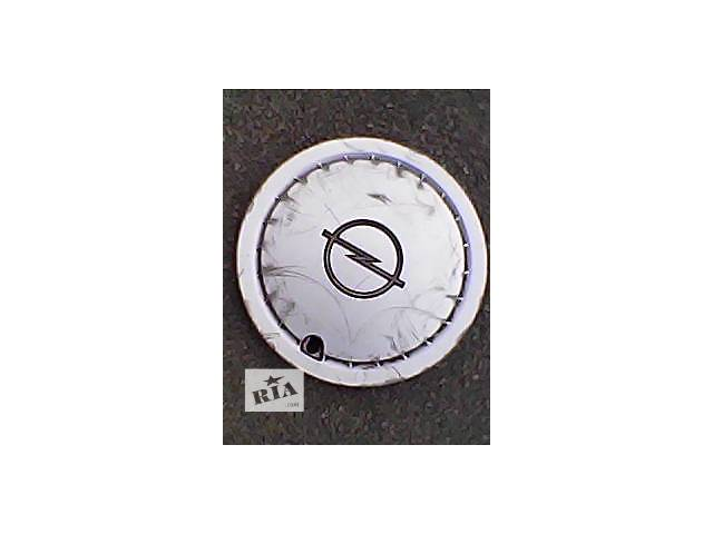 купить бу Б/у колпак на диск для легкового авто Opel r 13 в Харькове