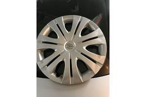 б/у Ковпак на диск Toyota Corolla
