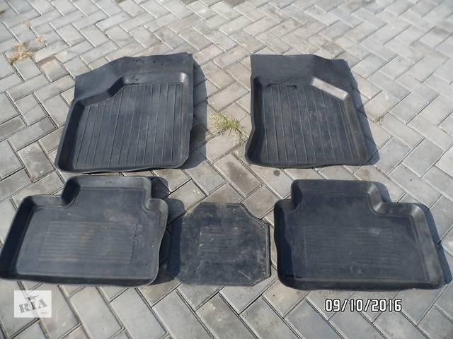 продам Б/у комплект ковриков салона для легкового авто ВАЗ 2110,ВАЗ 2111,ВАЗ 2112 бу в Умани