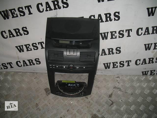 продам б/у Компоненты кузова Центральная консоль Легковой SsangYong Rexton II бу в Луцке