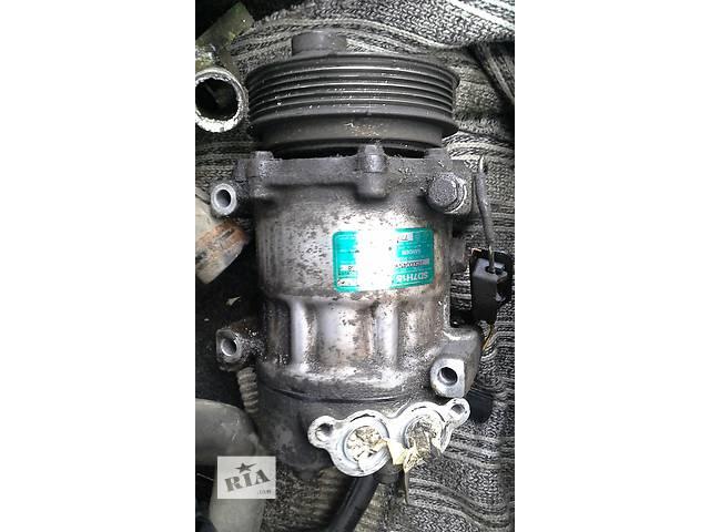 купить бу Б/у компрессор кондиционера для хэтчбека Renault Laguna в Запорожье