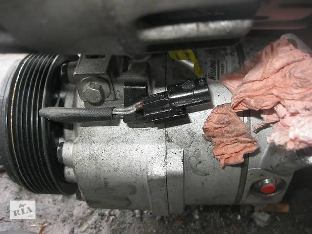 купить бу Б/у компрессор кондиционера Renault Trafic 2.0 dci 2007-2013 в Ровно