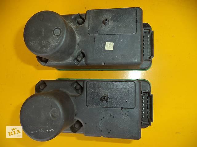 купить бу Б/у компрессор центрального замка для легкового авто Volkswagen Passat B3 (88-93) в Луцке
