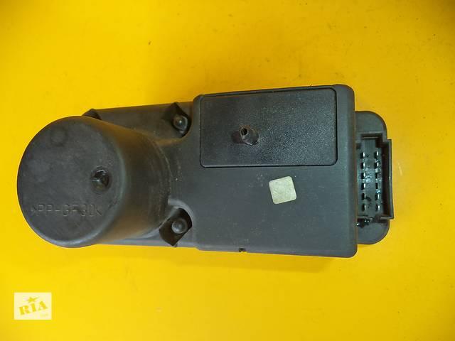 бу Б/у компрессор центрального замка для легкового авто Volkswagen Passat B3 (88-93) в Луцке