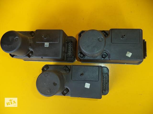 купить бу Б/у компрессор центрального замка для легкового авто Volkswagen Passat B4 (93-97) в Луцке