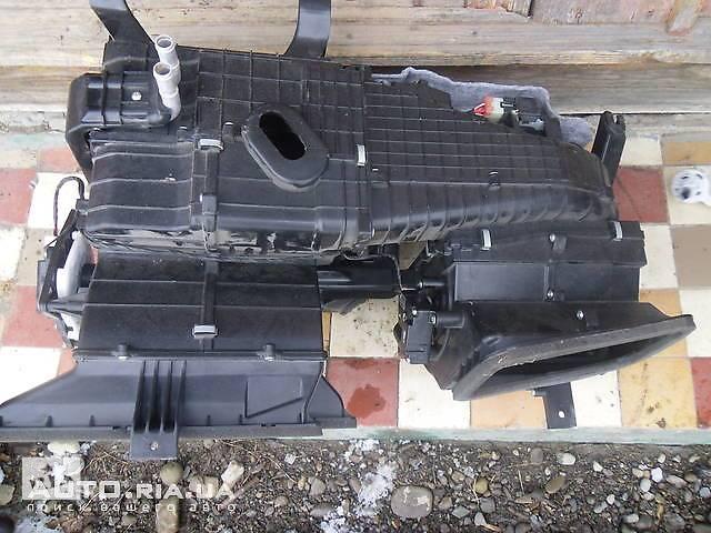 продам б/у Кондиционер, обогреватель, вентиляция Корпус печки  Hyundai Tucson  2008 бу в Коломые