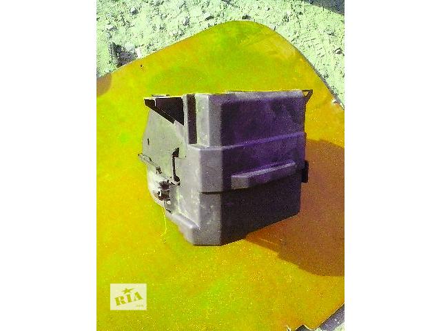 Б/у корпус блоку запобіжників для легкового авто Renault Trafic- объявление о продаже  в Ковеле