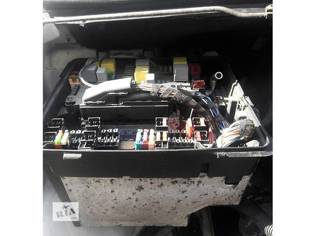 продам Б/у корпус блока предохранителей Mercedes Vito (Viano) Мерседес Вито (Виано) V639 (109, 111, 115, 120) бу в Ровно