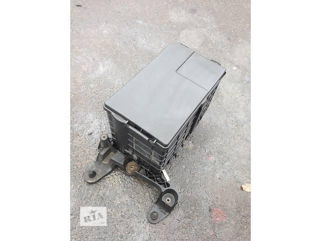 купить бу Б/у корпус під акумулятор для легкового авто Volkswagen Caddy в Луцке