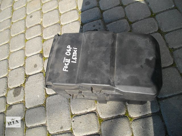 бу Б/у корпус под аккумулятор для легкового авто Ford Focus 2007 в Львове