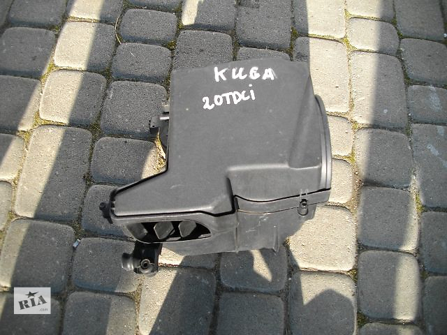 продам Б/у корпус воздушного фильтра для легкового авто Ford Kuga 2008 бу в Львове