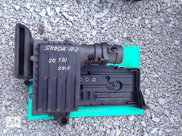 продам Б/у корпус воздушного фильтра для легкового авто Skoda Octavia A7 бу в Львове
