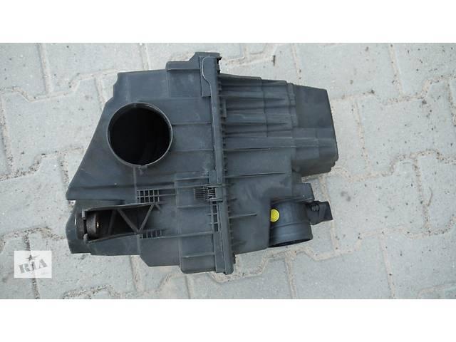 купить бу Б/у корпус воздушного фильтра для легкового авто Volkswagen T5 (Transporter) в Львове