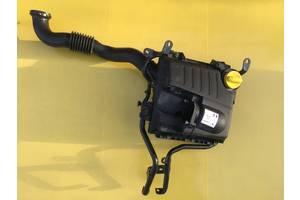 б/у Корпус воздушного фильтра Opel Vivaro груз.