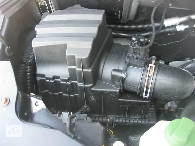 продам Б/у корпус воздушного фильтра Volkswagen T5 бу в Ровно