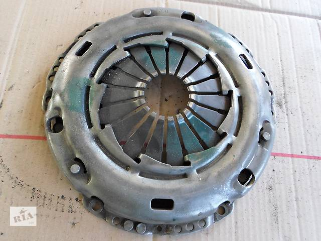 Б/у Корзина щеплення 1,8 1,9 TDI Фольксваген Пассат Volkswagen Passat 2003- объявление о продаже  в Рожище