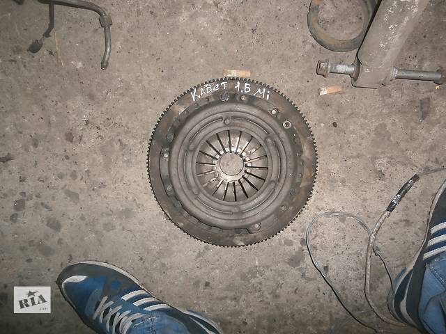 продам Б/у корзина зчеплення для седана Opel Kadett бу в Львове