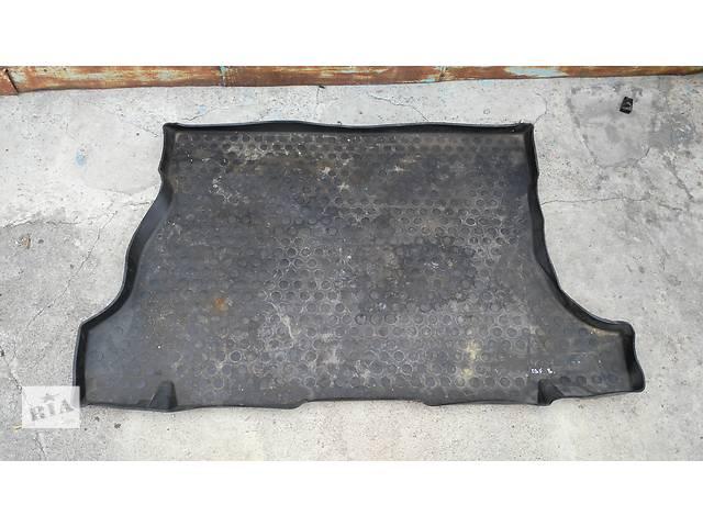купить бу Б/у ковёр багажника для легкового авто Opel Astra F Kadett E в Умани