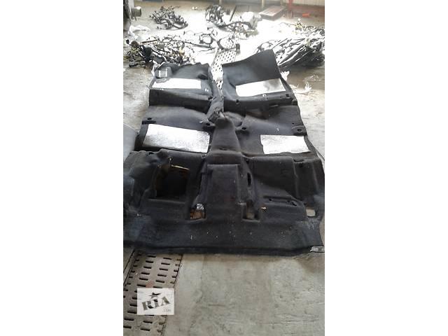 продам Б/у ковёр салона для легкового авто Hyundai Santa FE 2012-17 бу в Ровно