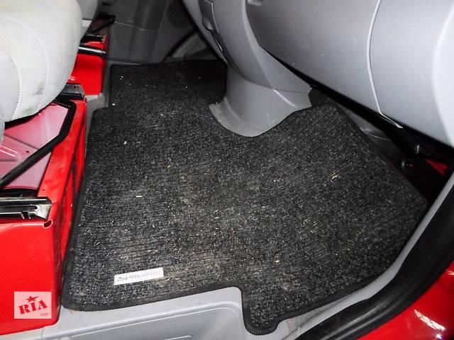 купить бу Б/у Коврики Ковёр салона Volkswagen Crafter Фольксваген Крафтер 2.5 TDI 2006-2010 в Рожище